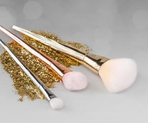 Bold Metals 1472-essentials-set-out_glitter