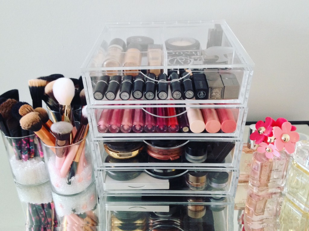 Boxy Girl Makeup Organizer
