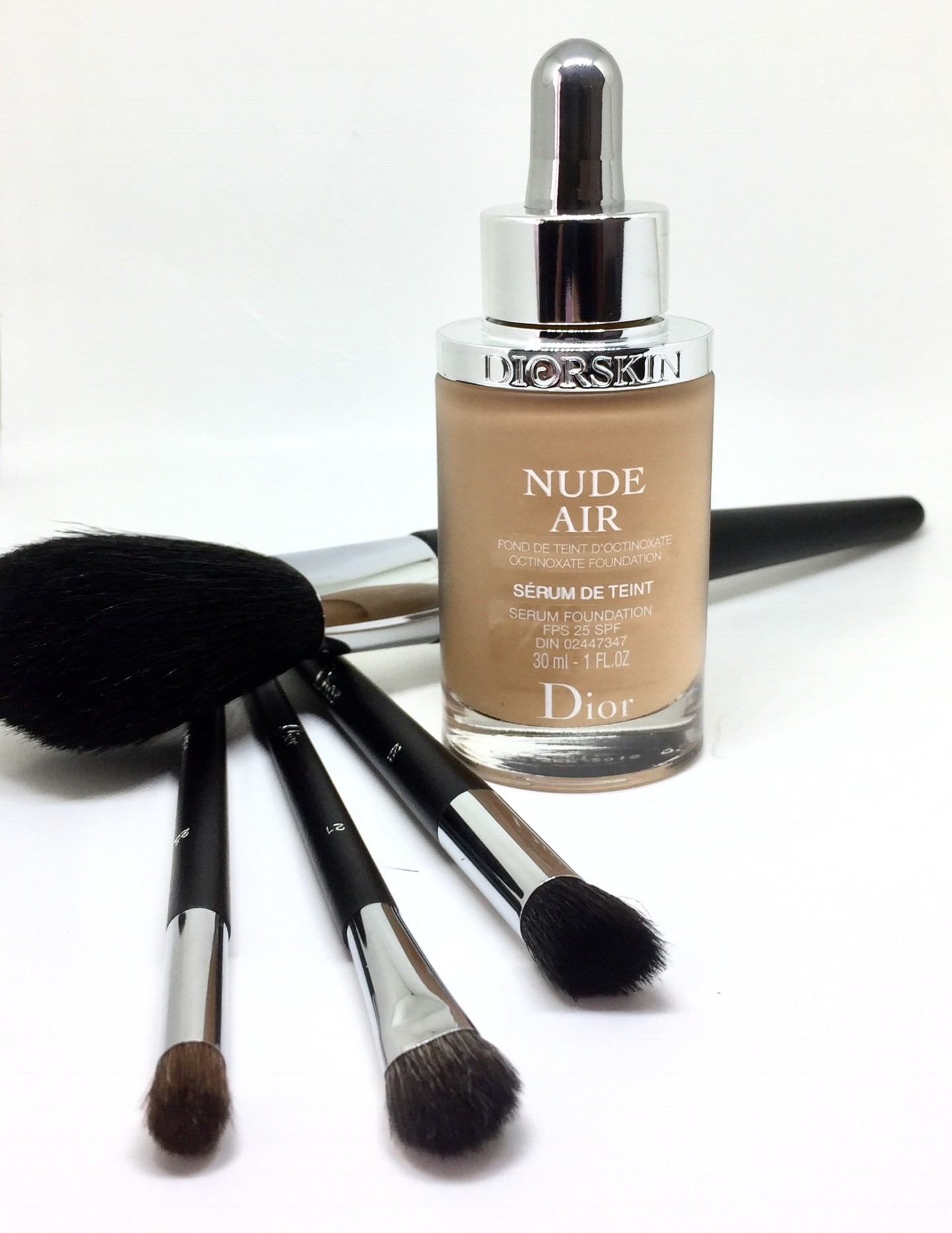 Diorskin NUDE AIR Serum Foundation